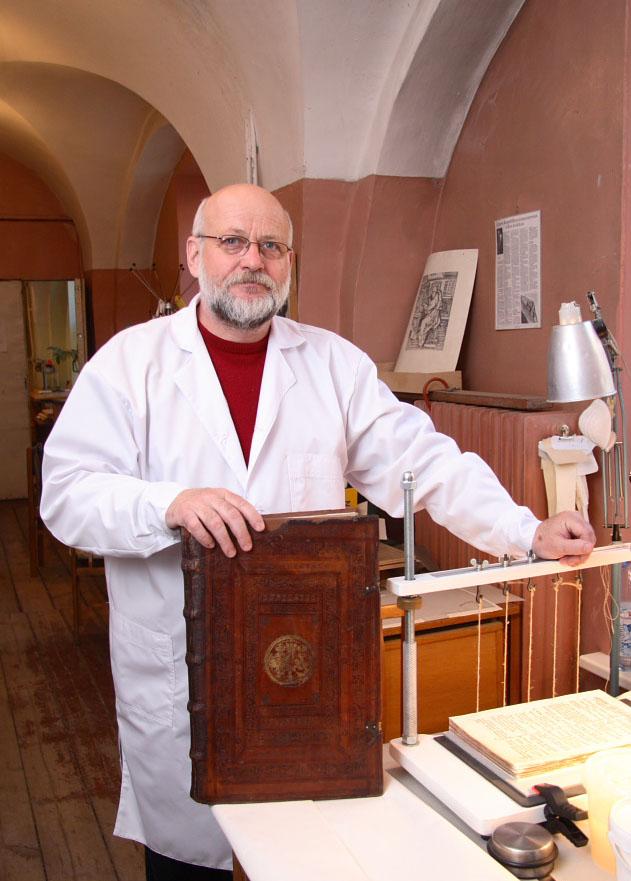 Knyrišys restauratorius Cezar Poliakevič